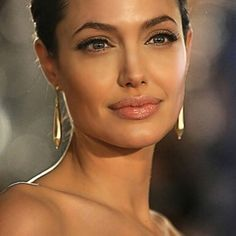 """""""I don't see myself as beautiful, because I can see a lot of flaws. People have really odd opinions. They tell me I'm skinny, as if that's supposed to make me happy."""" - Angelina Jolie"""