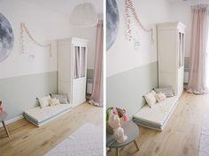 Une chambre bébé avec du parquet et un petit matelas au sol - idée peinture chambre fille
