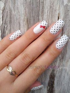 Black and white polka dot nail design black and white nails red nail bow polka dots pretty nails nail art nail ideas nail designs Dot Nail Designs, White Nail Designs, Nails Design, White Nail Art, White Nails, White Art, White Glitter, White Bows, Nail Black