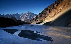 http://www.dzinewatch.com/wp-content/uploads/2012/05/Pakistan-View-from-Lord-of-the-Rings.jpg