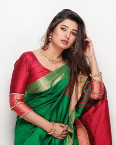 Be adorable and charming the way you are Prajakta Mali looking beautiful in saree Maharashtrian Saree, Saree Photoshoot, Saree Models, Elegant Saree, Cute Beauty, Women's Beauty, Beautiful Girl Image, Beautiful Images, Most Beautiful Indian Actress