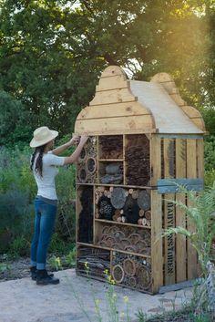 Nichoir /à Insectes pour Jardins et Cours. H/ôtel /à Abeilles respectueux de lenvironnement