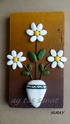 There are Beautiful Pebble Art Ideas. Stone Crafts, Rock Crafts, Diy And Crafts, Arts And Crafts, Art Crafts, Pebble Painting, Pebble Art, Stone Painting, Caillou Roche