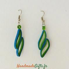 12 Awesome Paper Quilling Jewelry Designs To Start Today – Quilling Techniques Paper Quilling Earrings, Origami And Quilling, Quilling Art, Paper Jewelry, Paper Beads, Jewelry Crafts, Kirigami, Quilling Tutorial, Quilling Techniques