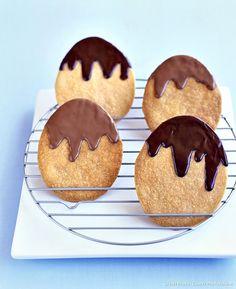 Notre biscœuf spécial Pâques : à faire avec les enfants pour partager le plaisir de se lécher des doigts pleins de chocolat.