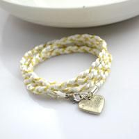 Simple Mother Daughter Jewelry- DIY Wrapped Bracelet http://lc.pandahall.com/articles/365-simple-mother-daughter-jewelry-diy-wrapped-bracelet.html