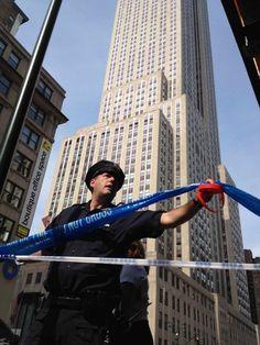 SHOOTING AT LANDMARK  Multiple people injured, gunman dead outside Empire State Building