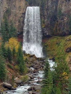 Tumalo Falls in Bend, OR is incredibly easy to access. Hiking in Central Oregon at it's best.