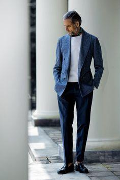 Conseils Et Inspirations Pour Porter Un Sweat Homme - PsM Mature Mens Fashion, Suit Fashion, Look Fashion, Style Casual, Casual Look, Royal Blue Suit, Mode Costume, Summer Suits, Jacket Style