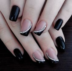 Black french nails with rhinestones unhas decoradas faceis, unhas decoradas delicadas, unhas delicadas, Classy Nails, Fancy Nails, Diy Nails, Cute Nails, Pretty Nails, Classy Nail Designs, Nail Polish Designs, Nail Art Designs, Black French Nails