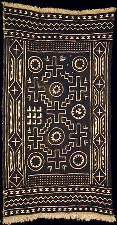Africa | Bogolanfini - Mud Cloth tafé (wrapper). Artist: Nakunte Diarra - Bamana people, Beledougou area, Mali.  Cotton