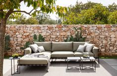 TRIBU: Timeless and elegant, the Natal Alu Sofa . Outdoor Cushions, Outdoor Fabric, Outdoor Rugs, Outdoor Furniture, Outdoor Decor, Outdoor Sofas, X Coffee Table, Coffee Table Design, Public Seating