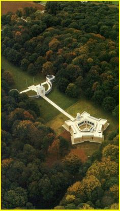 South African Commemorative Museum at Delville Woods (WWI) in Northern France Union Of South Africa, South African Air Force, Awsome Pictures, World War One, African History, Military History, Places To See, Beautiful Places, Around The Worlds