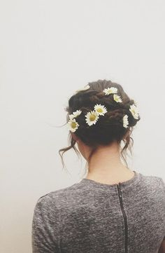 Cute updo with sunflowers!