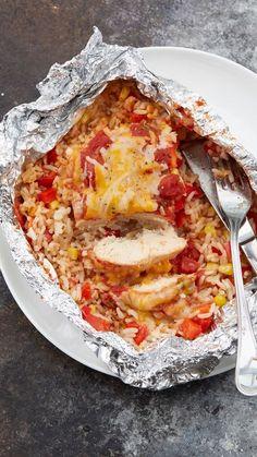 Salsa Chicken Foil Packs Recipe - Make this all-in-one chicken dinner in the ove. - Salsa Chicken Foil Packs Recipe – Make this all-in-one chicken dinner in the oven or on the grill - Tin Foil Dinners, Foil Packet Dinners, Foil Pack Meals, Dinners On The Grill, Recipes For The Grill, Grill Meals, Clean Dinners, Grilling Tips, Grilling Recipes