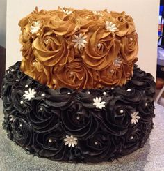Beautiful Black And Gold Rosette Cake Sistaz Cakes In