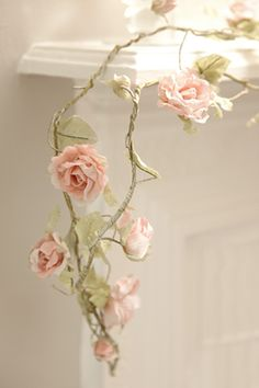 After you have made all those paper roses, then what ? Why paper garland of course. Paper Flower Garlands, Rose Garland, Crepe Paper Flowers, Fabric Flowers, Diy Paper Roses, Crepe Paper Garland, Floral Garland, Handmade Flowers, Diy Flowers