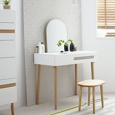 Get Ready In Style With This Elegant And Contemporary Dressing Table