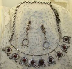 Kalevala Koru Finland 1972 Sterling Garnets Modernist Necklace & Ear Rings 68 g Wire Necklace, Necklaces, Ear Rings, Finland, Garnet, 1970s, Jewerly, Antiques, Author