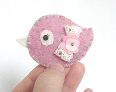 Brooch Bird in pink felt kawaii broche petit oiseau pajarito shabby chic cute felted