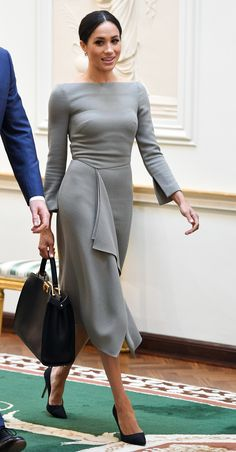 37 of the duchess' best looks for her birthday - Outfits for Work - Happy birthday Meghan Markle! 37 of the duchess' best looks for her birthday - Estilo Meghan Markle, Meghan Markle Style, Meghan Markle Outfits, Meghan Markle Clothes, Megan Markle Dress, Meghan Markle Fashion, Nice Dresses, Dresses For Work, Dresses Dresses