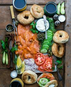 Ideas For Breakfast Buffet Presentation Mornings Brunch Recipes, Breakfast Recipes, Brunch Food, Charcuterie And Cheese Board, Breakfast Buffet, Breakfast Bagel, Wedding Breakfast, Cooking Recipes, Healthy Recipes