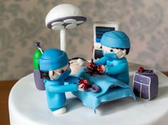 A few weeks ago, Julius was at the studio while I had my weekly meeting with my team. We were discussing the week's load and one of our cakes was this surgery-themed cake for Teddy Vesagas&#8…