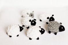 Móvil de cuna de bebé ganchillo ovejas móvil decoración por LalaKa