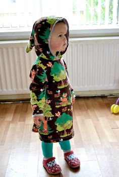 Super Busy Mum & Annabelle have been sporting this super cute fox dress complete with Pixie hood - perfect Autumn fashion for your little one! http://superbusymum.net/a-fox-hooded-tea-dress-review-with-beebies-baby-store/