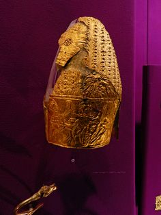 Dacian Gold Helmet from Cucuteni - Băiceni (Iași County), century BCE. European Tribes, European Languages, History Museum, Art History, Ancient Armor, George Santayana, National History, Story Of The World, First Humans