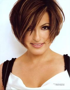 Mariska Hargitay is so talented, and so pretty. Looks a lot like her mother in the eyes and eyebrows!