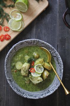 Fiskesuppe med indisk vri Palak Paneer, Soup Recipes, Fish, Chicken, Meat, Ethnic Recipes, Soups, Drinks, Beverages