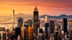 Dizem que um minuto em Nova York é um segundo em Hong Kong. A frenética cidade chinesa é uma injeção de modernidade na veia. Admire o arranha-céu em diferentes horas do dia e de diferentes pontos da cidade.