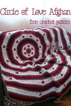 Circle of Love Afghan. Free Pattern for Valentines.