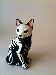 Day of the dead cat sculpture hand painted cat figurine Dia de los muertos pet memorial sugar skull kitten halloween decor cat skeleton by SpiritofAine on Etsy