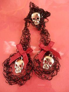 Gift Ideas - Conjunto Gótico En Crochet De Alambre.Gothic Wire Set. by ALAM-BRIQUES