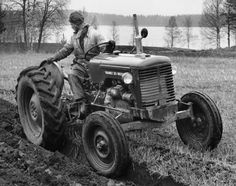 Agriculture Farming, Old Tractors, Volvo, Nostalgia, Vehicles, Historia, Tractors, Rolling Stock, Vehicle