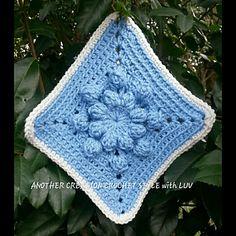 Ravelry: Hydrangea Flower in Bloom pattern by Barbara Rewis
