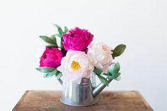 Estas lindas rosas de papel crepom podem ter as cores que você desejar (Foto: freutcake.com)