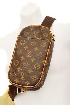 Louis Vuitton Gange Pochette Monogram Unisex Cross Body Shoulder Bag