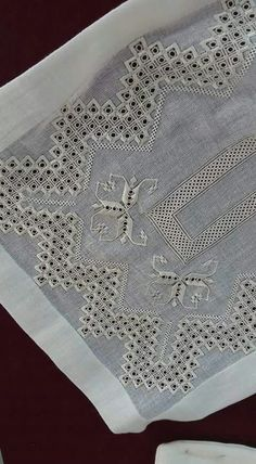 Hardanger -- maybe a table runner? Hand Work Embroidery, Learn Embroidery, Embroidery Thread, Cross Stitch Embroidery, Embroidery Patterns, Drawn Thread, Hardanger Embroidery, Fabric Yarn, Sewing Art