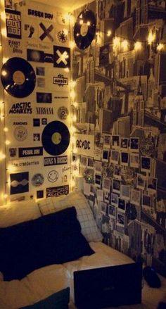 Teen Room Decor Grunge - Decoration Home Dorm Walls, Dorm Room, College Walls, Bedroom Vintage, Dream Rooms, Dream Bedroom, Men Bedroom, Bedroom Black, Bedroom Loft
