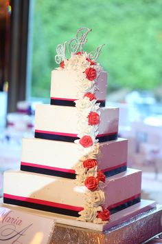 Hot pink & navy wedding cake / Seaons Catering / John Agnello Photography / Contemporary Bride Magazine