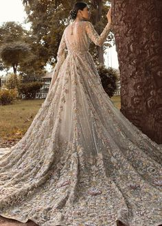 Best Free of Charge Buy Floral Bridal Gown for Pakistani Brides by Shiza Hassan Popular Beautiful Wedding Dresses ! The existing wedding dresses 2019 includes twelve various dresses in the Asian Bridal Dresses, Asian Wedding Dress, Pakistani Wedding Outfits, Indian Bridal Outfits, Wedding Dresses For Girls, Bridal Wedding Dresses, Pakistani Gowns, Asian Bridal Wear, Indian Gowns