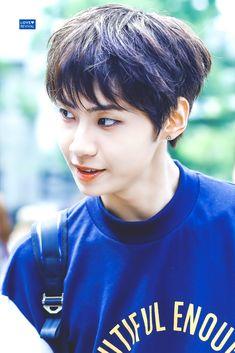 Jin, Korean Boy Bands, Asian Boys, Kpop Boy, My Boys, Boy Groups, Rapper, Fangirl, Handsome