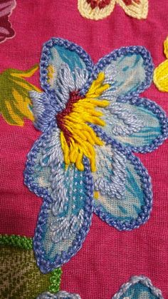 Wonderful Ribbon Embroidery Flowers by Hand Ideas. Enchanting Ribbon Embroidery Flowers by Hand Ideas. Embroidery Designs, Owl Embroidery, Embroidery Flowers Pattern, Simple Embroidery, Embroidery Transfers, Embroidered Flowers, Embroidery Stitches, Machine Embroidery, Embroidery Tattoo