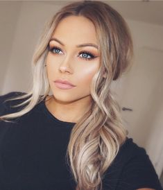 22 Best Honey Brown Hair Color Ideas for Light or Dark Hair in 2019 - Style My Hairs Caramel Brown Hair Color, Honey Brown Hair, Brown Hair Colors, Red Balayage Hair, Hair Highlights, Engagement Photo Hair, Engagement Photos, Blond Ombre, Strawberry Blonde Hair
