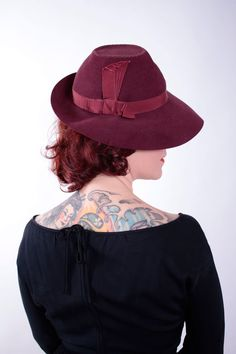 Vintage 1930s Hat  Stunning Deep Burgundy Felt Fedora  by FabGabs, $118.00 - so THAT'S how the crow should be shaped...