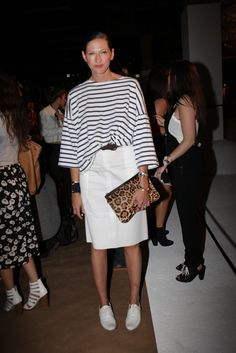 Front Row at Rag & Bone Spring 2015 Fashion Over 50, Look Fashion, J Crew Style, My Style, Moda Minimal, Marine Look, Isabella Blow, J Crew Outfits, Jenna Lyons