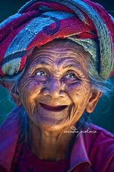 Beauty is not in the face; beauty is a light in the heart ♥  ~Khalil Gibran    (image: Rarindra Prakarsa)